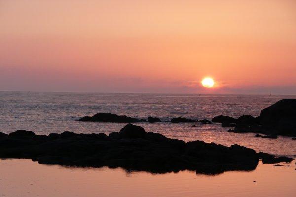 Coucher de soleil au bord de la mer..