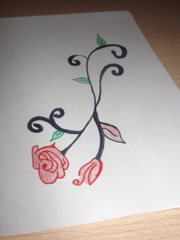 tribale avec des roses