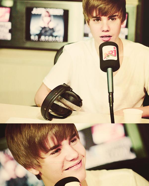 30.11.2010 | Justin a NRJ - France.