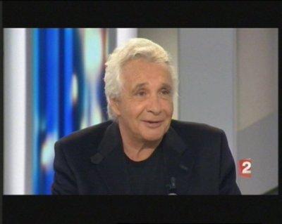 """Promotion de l'album """"ETRE UNE FEMME 2010"""" à la radio et à la TV"""