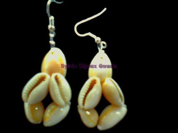 boucles d'oreilles en coquillages faites à la main création artisanale