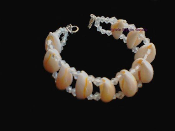 Bracelet en coquillages  création artisanale