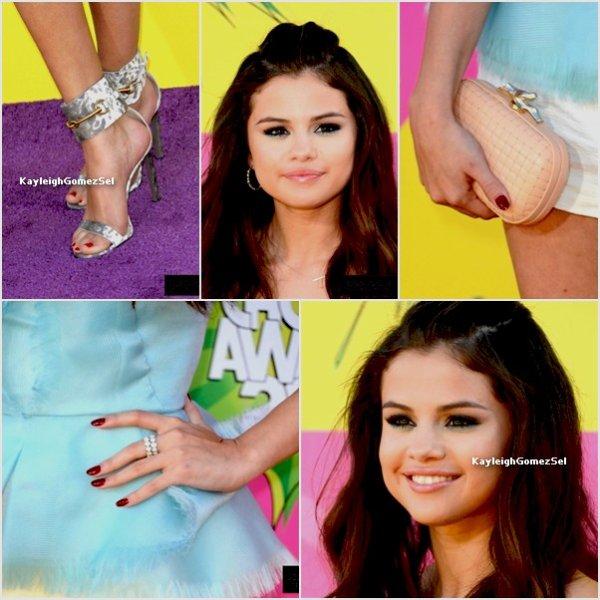23/03/13 : Les KCA on eu lieu Hier Soir. Selena a gagné un prix.