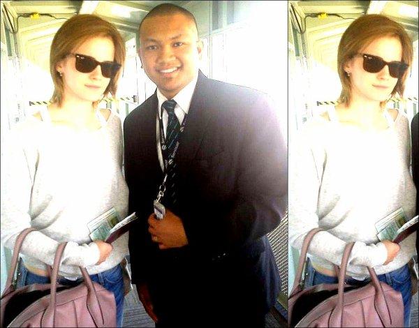 .  23/07/12 ➜ Emma a été vue à l'aéroport quittant la ville de Toronto..