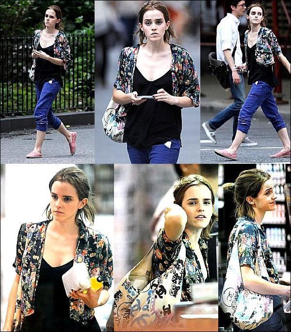 . 26/07/12 ➜ Emma a été vue faisant ses courses à New-York. + 2 Nouveaux Tweets..