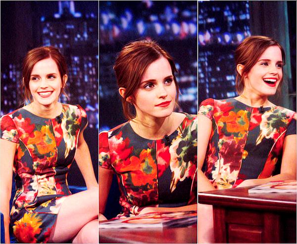 . 13/08/12 ➜ Emma était présente au Live with Kelly and Michael puis, plus tard au Jimmy Fallon Late Night où elle a dansé avec le présentateur..