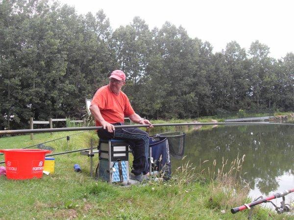 Petite Journée pêche à la carpe Dimanche 13 Juillet,et au coup le Lundi 14 Juillet 2014