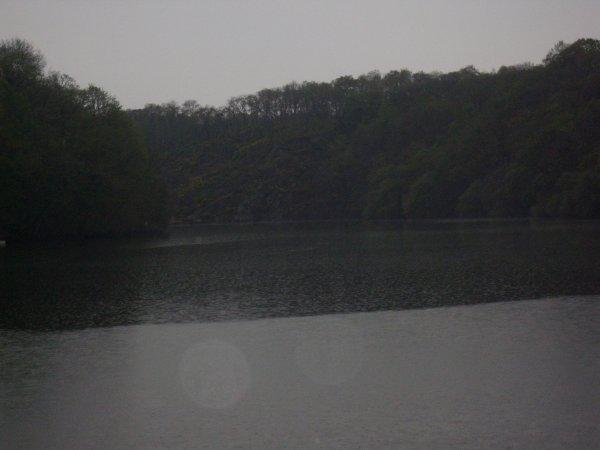 Pêche de journée au lac de barrage de rophémel.