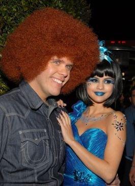 Selena Gommz aller a un anniversaire (le thème bleu)
