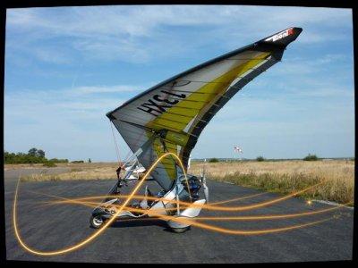 les pendulaires (chariot motorisé suspendu à une aile delta) Classe 2.
