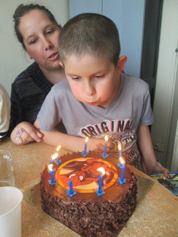 bon anniversaire mon matheo .....9 ans ojourdui