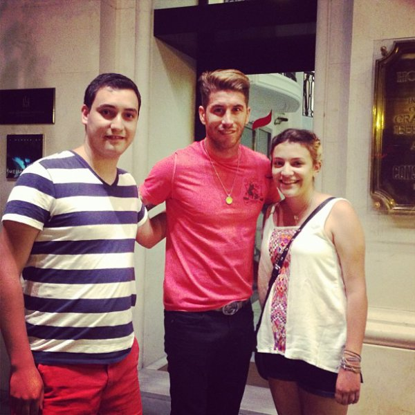 Sergio Ramos à Seville en compagnie de fans 21.07.13