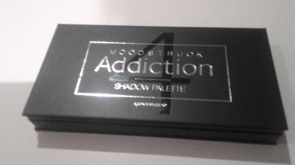 Palette d'ombre à paupières addiction 4