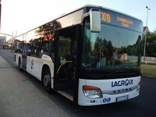 Un des bus effectuant la ligne 30.19