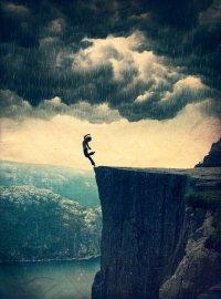 Je croyais être passée par tous les chemins qui mènent à la douleur, au chagrin, aux larmes. Une fois de plus, je me trompais.