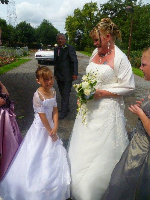 MOI AUX MARRIAGE DE MA MARRAINE ........