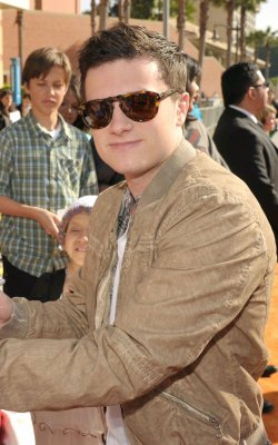 "Josh était présent aux ""Kids Choice Awards 2012"" (Los Angeles 31-03-12)."