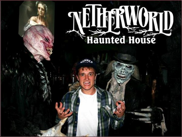 Josh à la Netherworld Haunted House en Georgie (06-10-12).