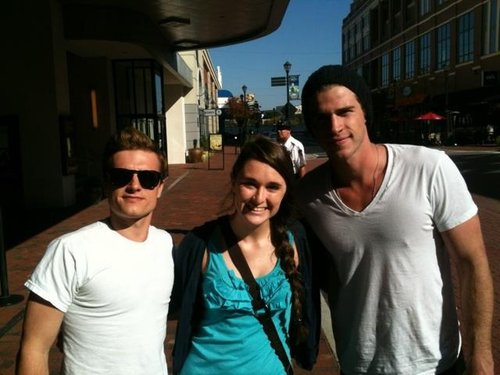 Josh et Liam avec une fan (Atlanta 17-10-12).