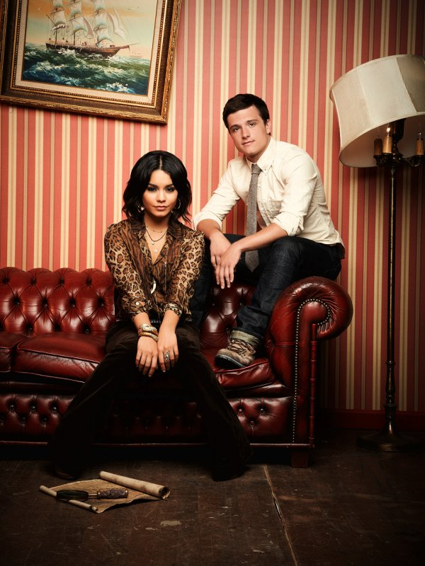 "New/old outtake de Josh et Vanessa pour ""Today Online""."
