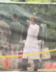 """Nouvelle photo de Josh avec des fans à Hawaï (26-11-12) + photos de Josh sur le tournage de """"Catching Fire""""."""
