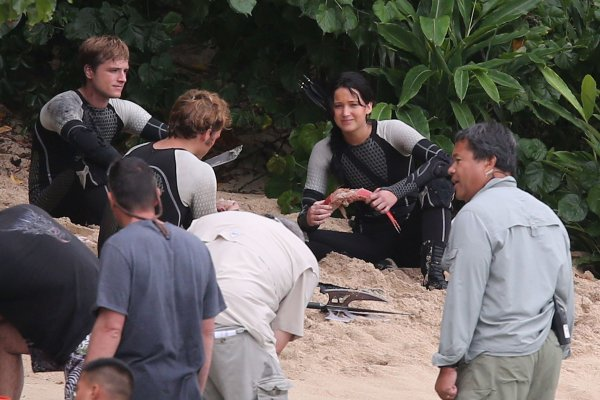 "Photos du tournage de ""Catching Fire"" à Hawaï (27-11-12) partie 1."