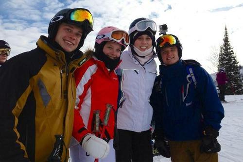 Plus de photos de Josh avec des fans à Park City (Utah, Etats-Unis).