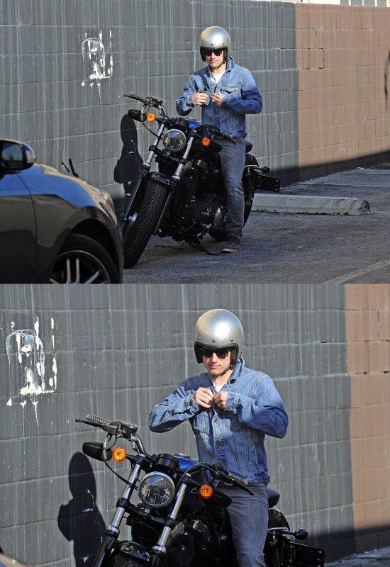 Josh quittant un salon de coiffure à Los Angeles (08-01-13) part 2.