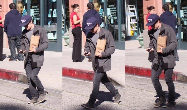 Josh à Beverly Hills (14-01-13).