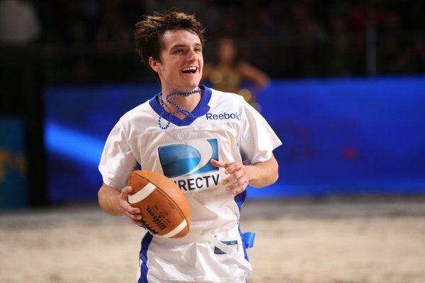"""Josh au """" 7th Annual Celebrity Beach Bowl"""" (Nouvelle Orléans 02-02-13)."""