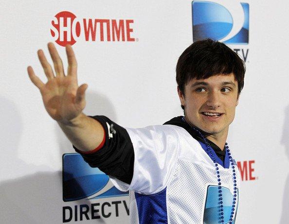 """Vidéos de Josh au """" 7th Annual Celebrity Beach Bowl"""" (Nouvelle Orléans 02-02-13)."""
