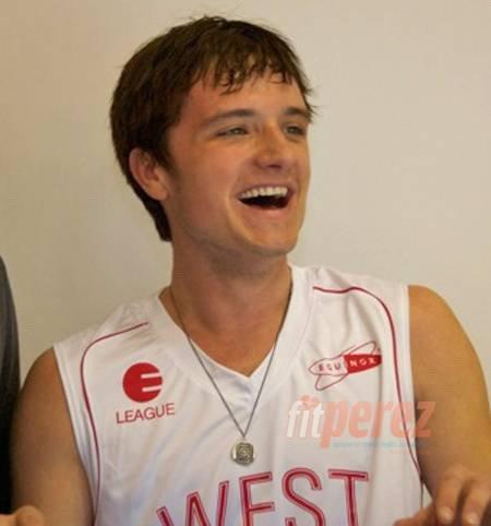 """Nouvelles photos de Josh au """"Ciroc Court Basketball Game"""" (Los Angeles 09-02-13) + Photo coup de coeur."""