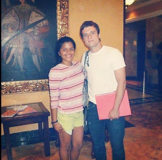 Nouvelle photo de Josh avec une fan au Panama.