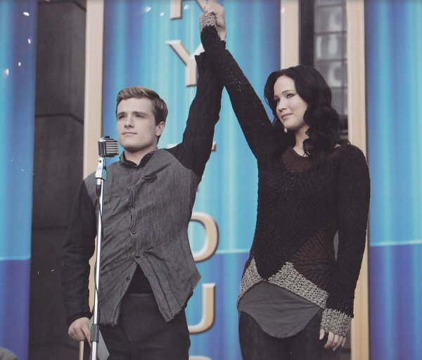 "Still de Katniss et Peeta dans ""Catching Fire"" en HQ."
