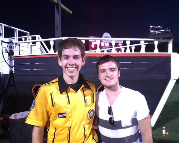Josh a un match de football l'école de son frère (03-10-13).