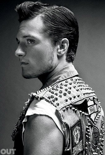 "Josh pour ""OUT Magazine"" (Novembre 2013)."