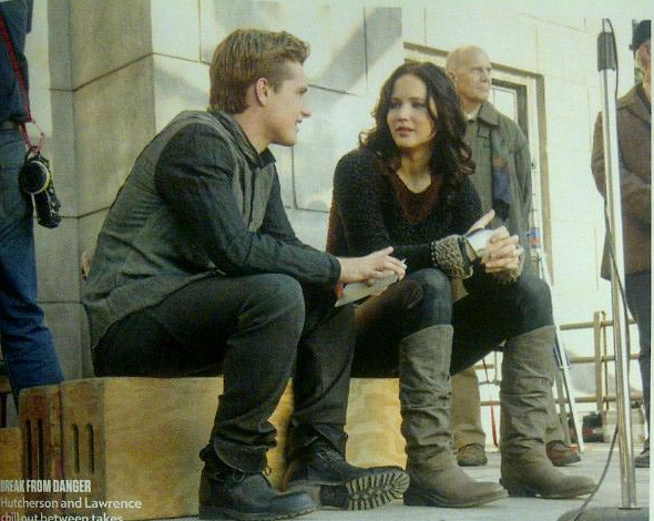 "New still + photos BTS de ""Catching Fire""."
