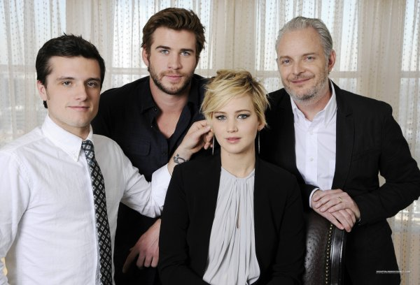 "Photos du cast de ""Catching Fire"" à la Press Juncket (08-11-2013)."