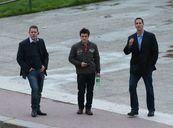 Josh visitant le Trocadero à Paris (15-11-2013). Partie 1.