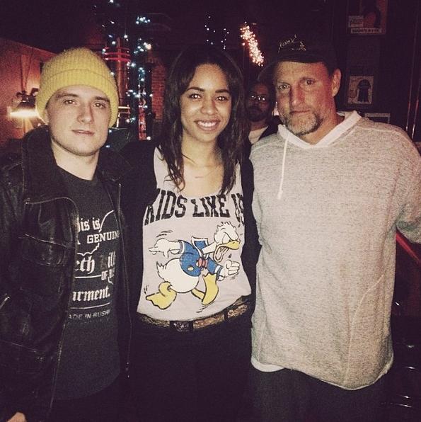 Photo de Josh et Woody avec une fan à Atlanta (08-12-2013).