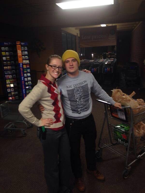 Nouvelle photo de Josh avec une fan dans le Kentucky (10-12-2013).