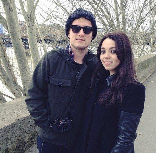 Photos de Josh avec des fans à Paris (31-01-2014).