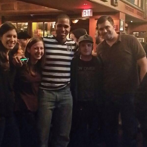 Josh avec des fans à Atlanta (12-02-2014).