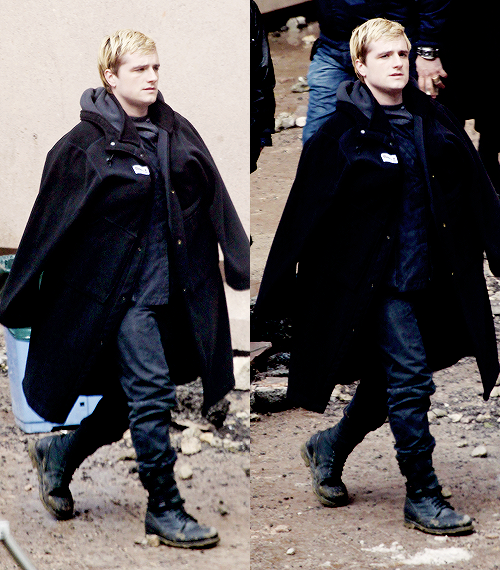 """Nouvelles photos + vidéo de Josh sur le tournage de """"Mockingjay"""" à Paris."""