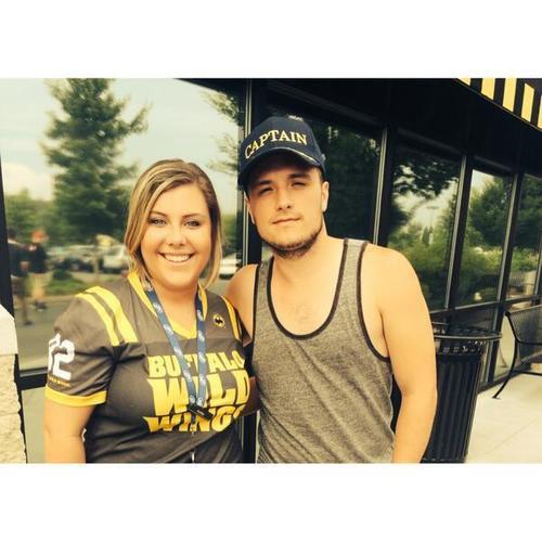 Nouvelle photo de Josh avec des fans (13-07-2014).