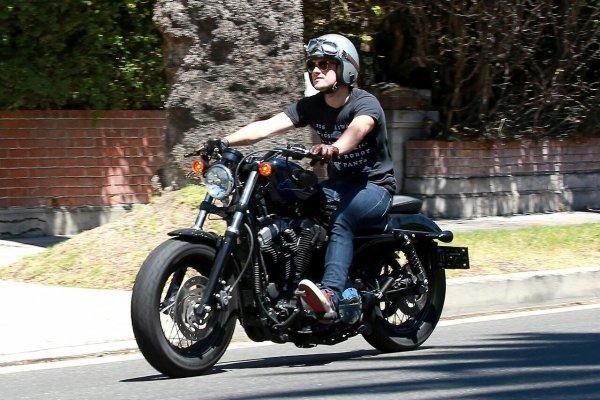 Josh se baladant sur sa moto dans les rues de Los Angeles (23-07-2014).