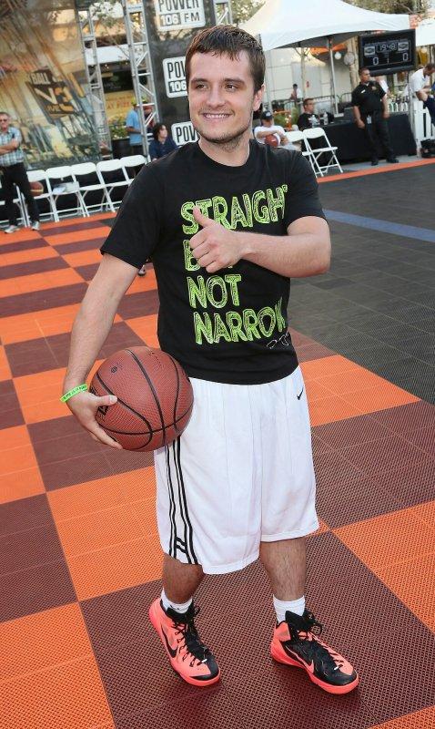 "Photos de Josh au ""3rd Annual Celebrity Basketball at Nokia Place in L.A"" (08-08-2014)."