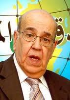 Selon Rédha Malek, Bouteflika a échoué à assurer la transition entre militaires et civils