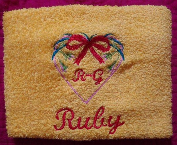 JOLIE PETITE RUBY ( COMMANDE POUR UN ANNIVERSAIRE )