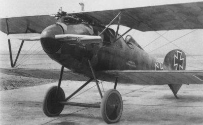 Avions militaires 14/18 allemands chasseur biplan monoplace Albatros D.V (1917).